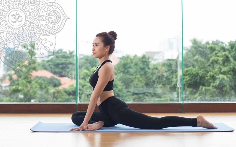 tập yoga tăng cường sức khỏe tại nhà